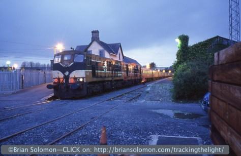 Irish_Rail_GAA_special_at_Ennis_163_134_18May2003_Brian Solomon 234338