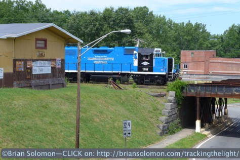 Where? Ware. That's right. Mass-Central 1751 crosses the old bridge over Route 32. Lumix LX7 photo.