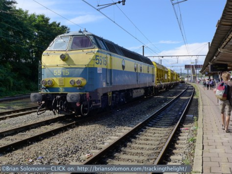 Well now this is a bonus. An old SNCB class 55 diesel with a Colas ballast cleaner. Lumix LX7 photo.