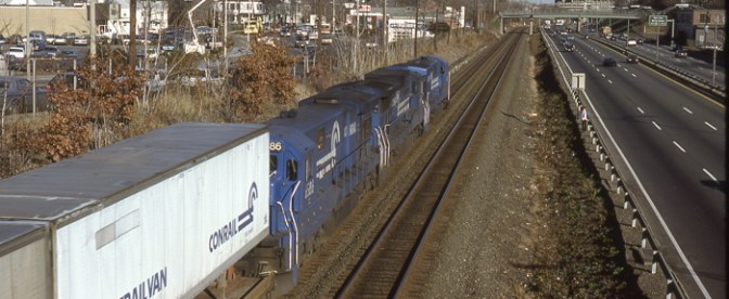 Conrail Trailvan along the Mass-Pike
