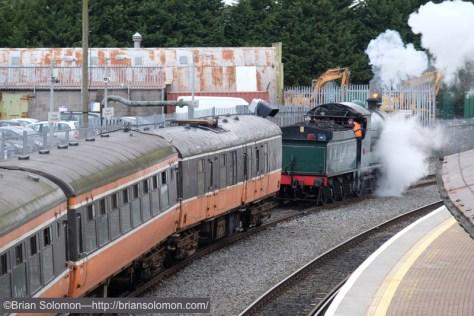 RPSI_461_pulling_forward_Drogheda_DSCF1667