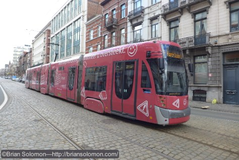 STIB_red_Tram_92_route_P1190018