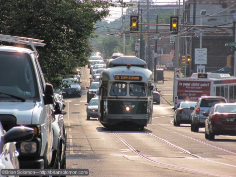 Photo of an eastbound 15 Trolley exposed with Sean's  Canon SX120.