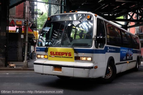 Bus_Under_the_el_at_Marcy_Ave_DSCF1409