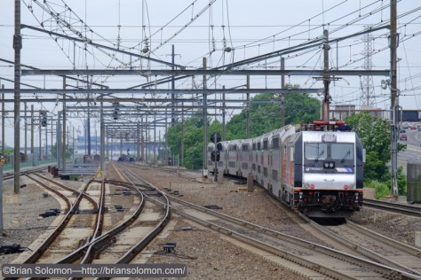 Secaucus_w_NJ_Transit_ALP46_DSCF1641