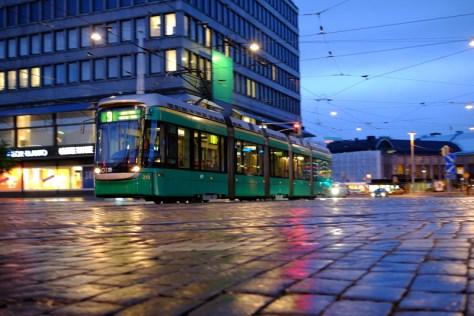 Tram_pan_low_wet_Cobbles_Low_DSCF2524