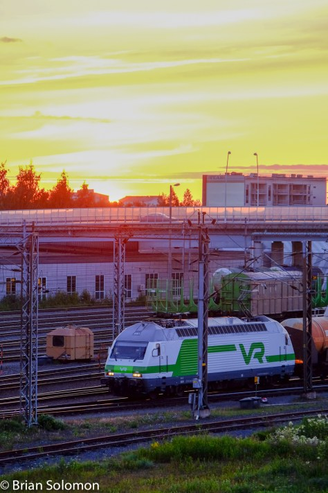 VR Sr2 at Oulu, Finland after 11 pm on Wednesday, July 22, 2015. File adjusted for exposure, contrast, and saturation.