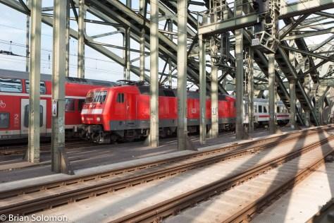 Class_120_crossing-Rhein_DBP1300874