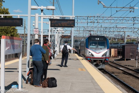 Amtrak train 173 arrives at New Haven about 7 minutes behind schedule. LX7 photo.