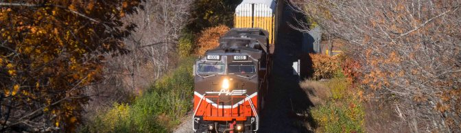 Providence & Worcester's former Santa Fe DASH8-40BW catches the Autumn Sun.