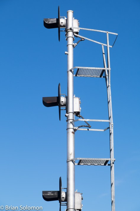 The searchlight style of signal was developed more than 90 years ago. It has been out of favor for new installations for more than two decades.