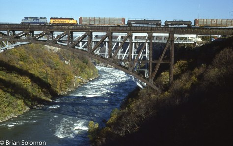 CSX Niagara Falls arch bridge Oct 88 Brian Solomon photo 205057