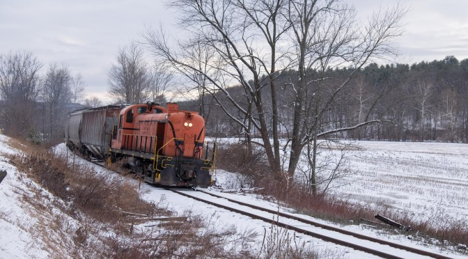 Battenkill Railroad RS-3; Winter Sky and a Bold Technique.