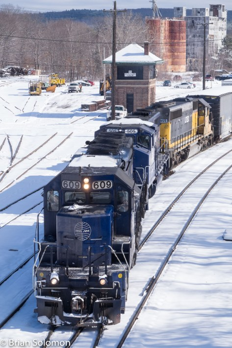 Finally, about 11:22 am, Pan Am Railway's EDRJ was on the move with a handsome SD45 in the lead (yes yes, I know, this locomotive no longer has its 20-cylinder diesel. But it sure looks nice!). Exposed with my FujiFilm X-T1.