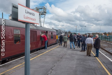 Change of locos at Limerick; here 076 took over.
