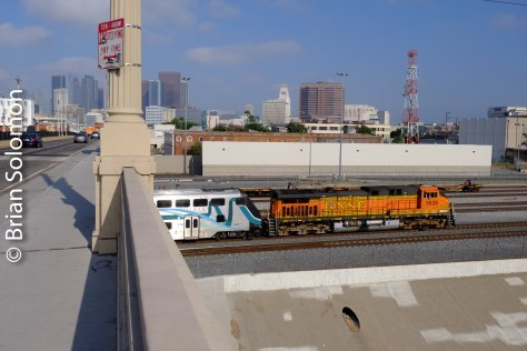 A BNSF AC4400CW works toward Los Angeles Union Station with Metrolink train 607.
