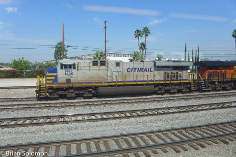 Metrolink_view_from_the_train_San_Bernardino_P1500667
