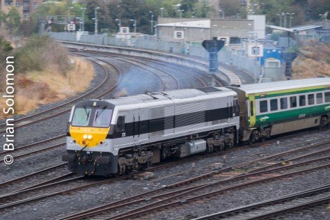 Irish Rail 231 departs Heuston Station with the 0900 to Cork. 25 October 2016.