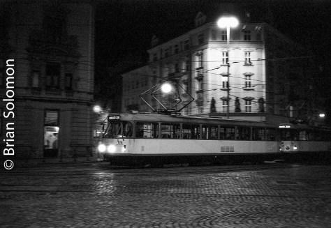 olomouc_trams_15-oct_2016_bw-at_night_brian_solomon_331633
