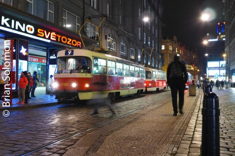 tram_at_night_prague_p1520923
