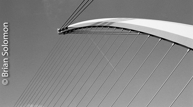 Beckett Bridge with Contrail