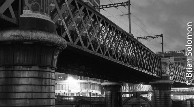 Dublin by Night: 1000 shades of Dark.