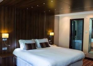 executive deluxe bedroom