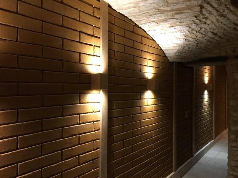 Bricabloc-mur-cave-vinicole-ambiance