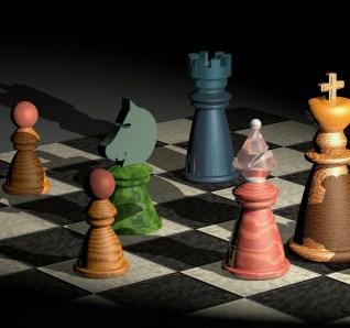 pezzi degli scacchi colorati