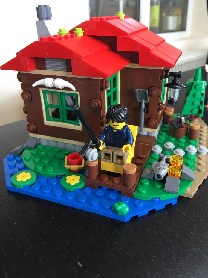 Lego Lakeside Lodge Front