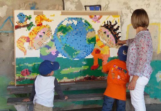 mosaique enfants de la planète