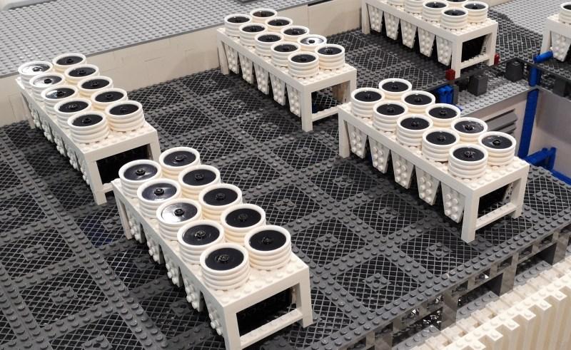 compresseurs data center Orange Lego