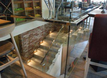 Boutique-felhaus-klinker-enterijer-listele