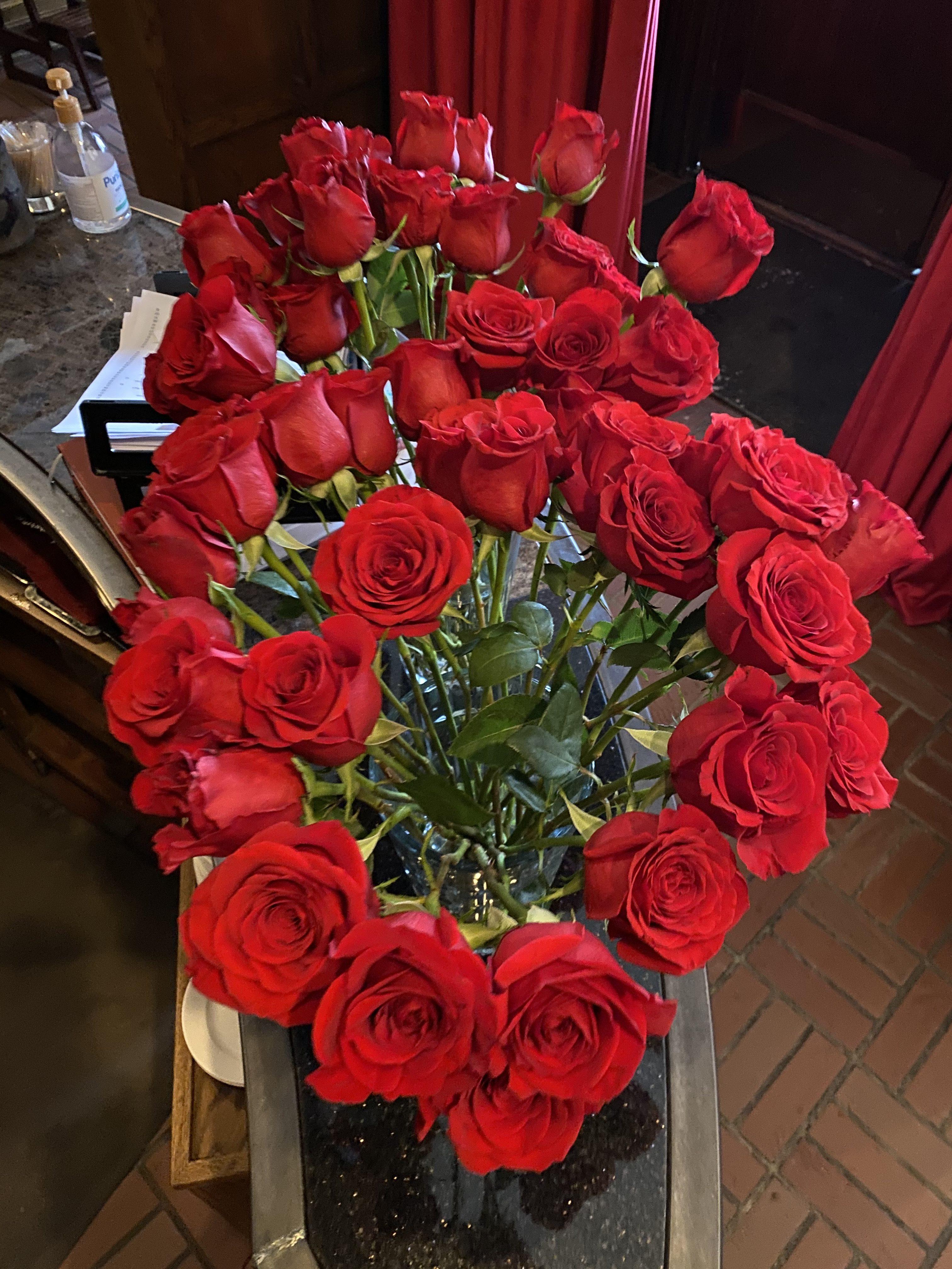 roses brickhouse 737 valentine