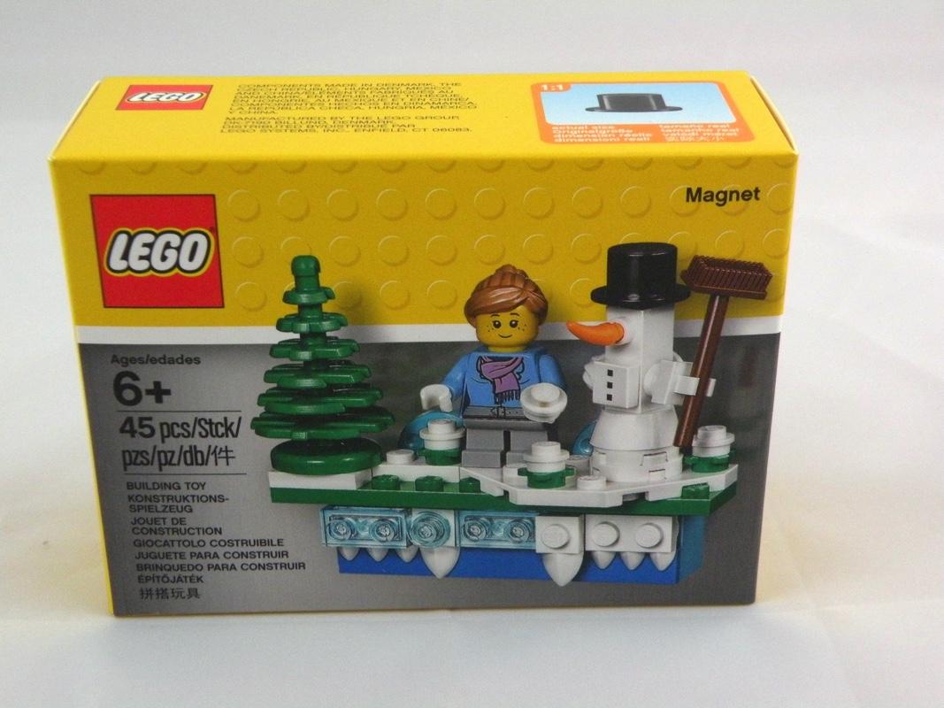 853663 lego iconic holiday magnet 1