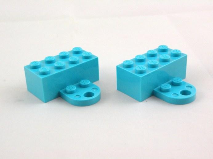 853663 lego iconic holiday magnet 4