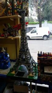 Tour Eiffel Lego alta più di un metro