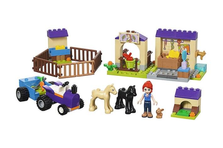41361-lego-friends-mia-foal-stable-2019-2