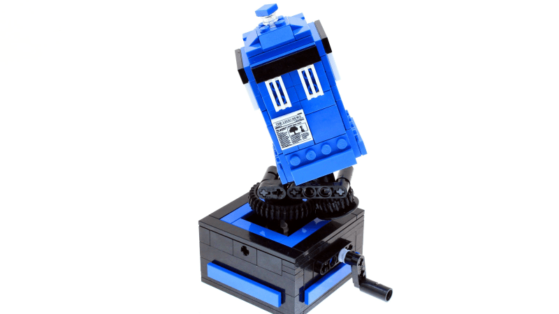 LEGO MOC Spotlight: Custom LEGO Spinning TARDIS by Josh DaVid