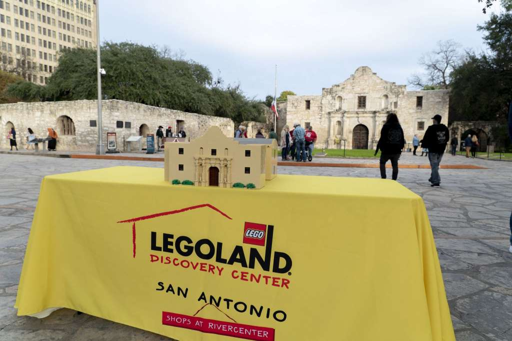 "Upcoming LEGOLAND Discovery Center in San Antonio to Preview Miniland Building Models with ""Best Replica"" of City Skyline"