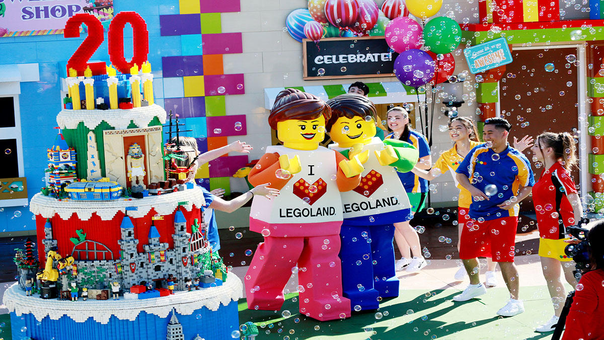 Anniversary Dance Party with New Minfiigure Mascots for 20 Years of LEGOLAND California