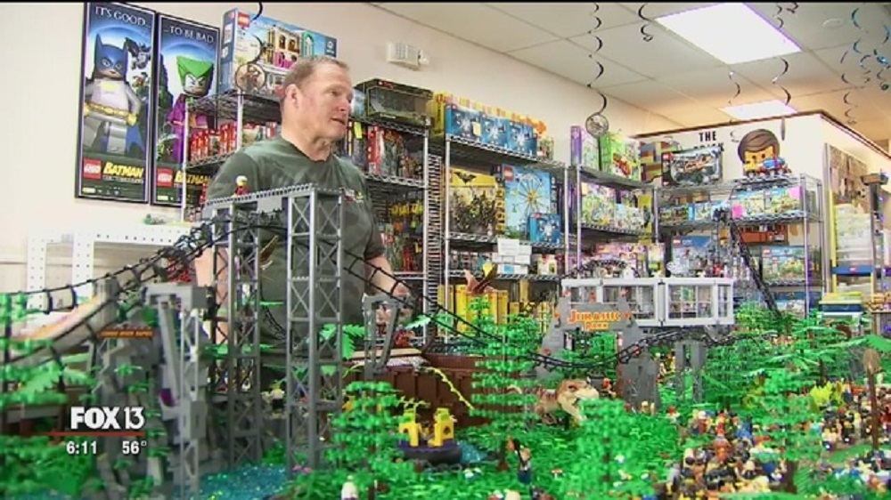 Florida LEGO Store Owner Makes MOC Roller Coaster, Soon to Be Declared World's Biggest by Guinness
