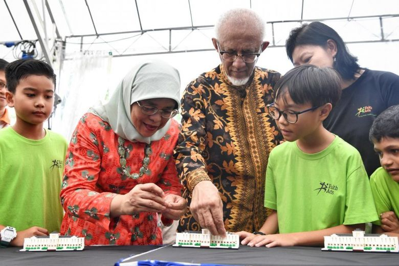 Rare $70 Commemorative LEGO Istana Set from 150th Anniversary Open-House, Reselling Online for Over $100