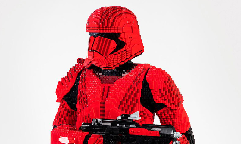Life Size LEGO Star Wars Sith Trooper Statue to Debut at SDCC 2019