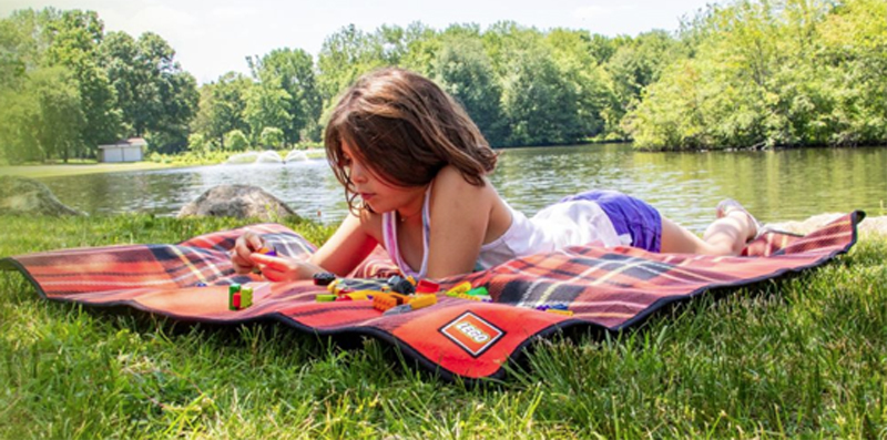 Free LEGO Picnic Blanket (5006016) With Qualifying Purchase From LEGO Shop@Home