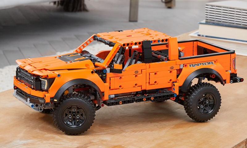 LEGO Technic Ford F-150 Raptor (42126) Revealed!
