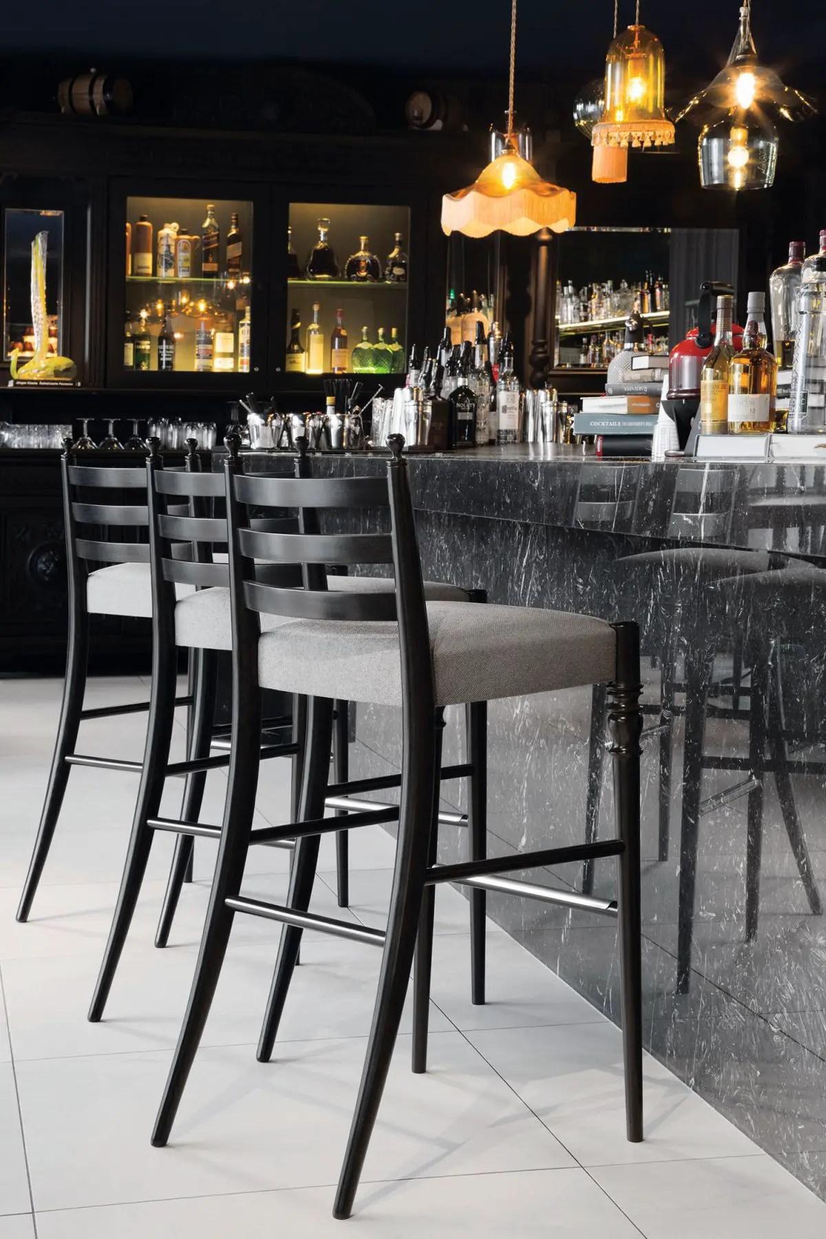 Tabourets de bar noir et blanc: comment les choisir et les ... on Modern:0Bjn4Cem9Be= Kitchen Counter  id=99895