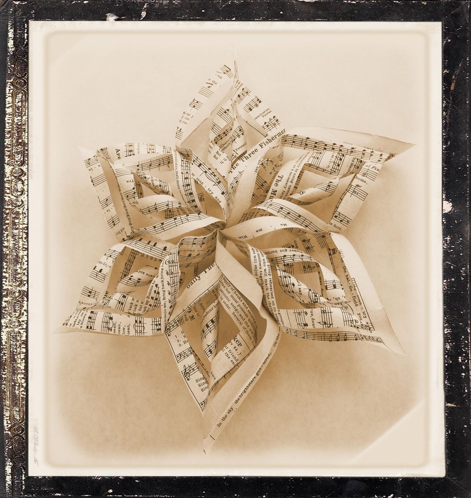 estrella hecha con papel