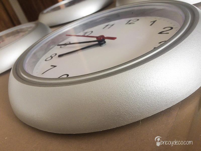 reloj pintado con spray