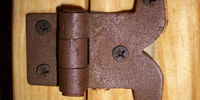 les differents types de charnieres de porte